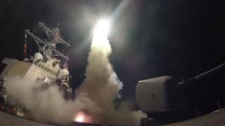 สหรัฐฯ ยิงขีปนาวุธร่อนโทมาฮอว์กใส่ฐานทัพรัฐบาลซีเรีย เมื่อเดือนเมษายนที่ผ่านมา