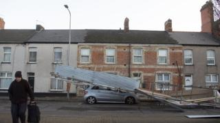 Car in Cardiff hit by scaffolding in strong winds