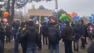 Бишкекте март айында сөз эркиндигин коргоо боюнча жүрүш өтүп, бир нече киши кармалган