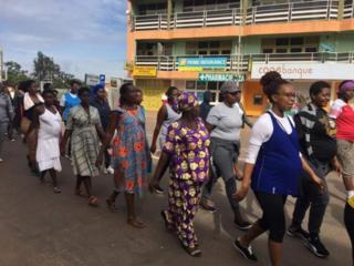 Séance de marche pour les femmes enceintes