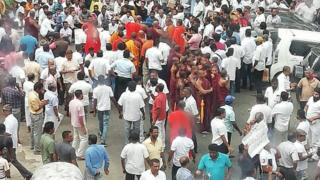 முஸ்லிம் அமைச்சர் மற்றும் ஆளுநர்களை நீக்கக்கோரி கண்டியில் போராட்டம்