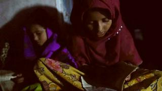အိန္ဒိယက လျှပ်စစ်မီး မရသူများ