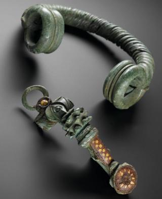 auldearn brooch AD75-150 National Museums Scotland.jpg