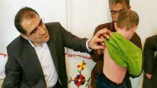 نگاهی به کارنامه قاضیزاده هاشمی، وزیر خبرساز دولت روحانی