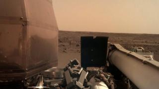 Imagen de Marte enviada por la sonda Insight
