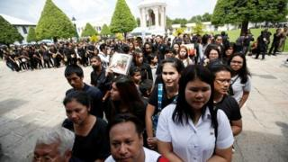 Mourners at the Grand Palace in Bangkok to pay their respects to the king who died on Thursday, 15 October 2016