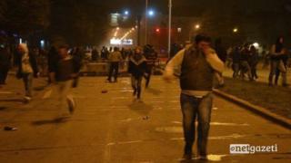 Грузиянын атайын багыттагы күчтөрү Батуминин полиция имаратынын алдындагы митингди таратты.