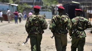 Des forces de sécurité kenyans en patrouille dans un quartier de Nairobi (illustration)