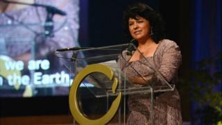 Berta Cáceres recibe el Premio Goldman en 2015