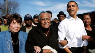 Reverend Lowery (centre) with US presidential candidate Senator Barack Obama during a march in Selma, 4 March 2007