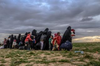 Žene i deca Baghuz, poslednje uporište Islamske države
