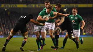 Andrew Pringle playing for Ireland v All Blacks