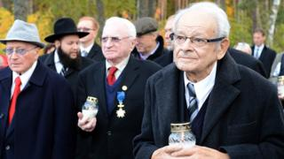Jules Schelvis (R) at a ceremony in 2014 marking the liberation of Sobibor