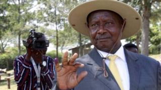 Amesema kuwa Uganda imekabiliana na changamoto mbaya za kiusalama kuliko tisho kutoka kwa wahalifu wanaotumia pikipiki maarufu kama boda boda.