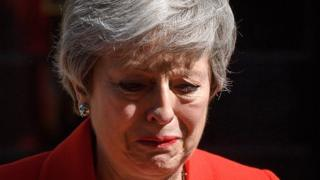 بعد فترة من التكهنات، أعلنت تيريزا ماي أنها ستستقيل من رئاسة وزراء بريطانيا في 7 يونيو / حزيران المقبل.