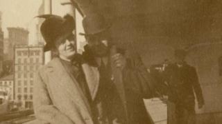 Oskar Holverson y su esposa Mary (Foto: Henry Aldridge & Son)