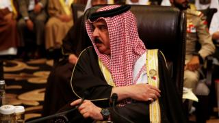 Bahrain's King Hamad bin Isa Al Khalifa attends an Arab League summit in Jordan (29 March 2017)