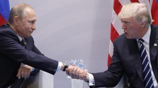 """Vladimir Poutine a dénoncé la """"montée de l'hystérie antirusse"""" à Washington."""
