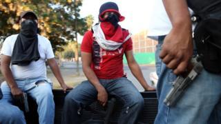 Un grupo de hombres armados en México