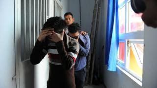 İkili gözaltında tutulurken