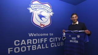 Emiliano Sala: Cardiff City FC player on missing plane