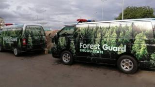 Ụgbọala ndị Forrest Guards n'Enugwu