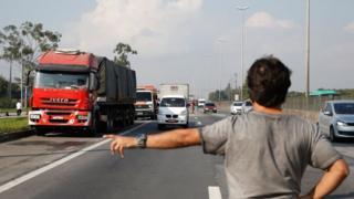Paralisação na rodovia Dutra, no Rio de Janeiro