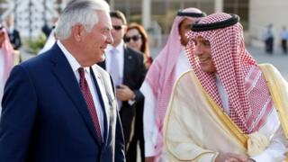 رکس تیلرسون، وزیر خارجه آمریکا با عادل جبیر، وزیر خارجه عربستان دیدار کرد