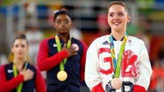 Amy Tinkler recieves bronze medal
