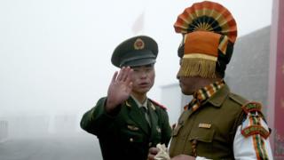 भारतीय और चीनी सैनिक
