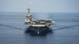 """حاملة الطائرات الأمريكية """"يو إس إس كارل فينسون"""" في بحر الصين الجنوبي"""