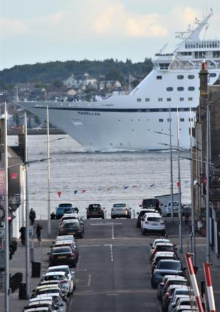 The Magellan cruise ship sailing by the end of Gray St, Broughty Ferry on its way to the North Sea.