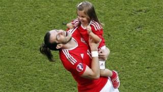 Gareth Bale and daughter Alba