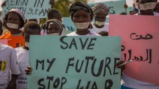 مظاهرات نسوية في ديسمبر الماضي تندد بالانتهاكات بحق الأطفال والنساء في جنوب السودان.