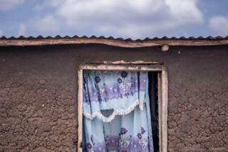 A hut belonging to Malis Justin, a South Sudanese refugee
