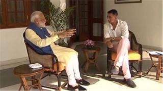 नरेंद्र मोदी-अक्षय कुमार