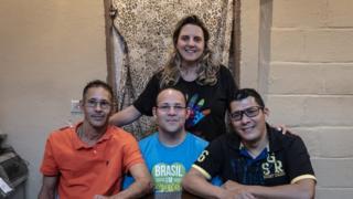 Neste ano, Joyce Simões 'adotou' os venezuelanos Hector Antuare (à esq.), Teoscar Ramon Mata e Luis Nelson Baena
