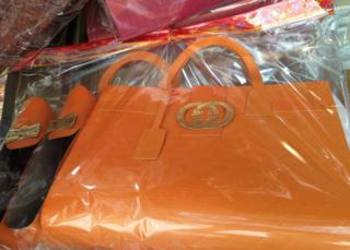Gucci bag paper offering