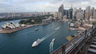 Australian economy picks up pace on exports