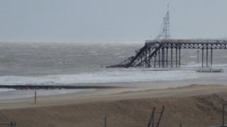 Photo of damaged Victoria Pier