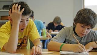 учні в класі