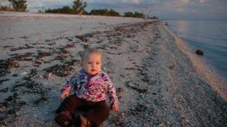 Skyla Means, la hija del matrimonio de científicos, en el lugar más remoto de Florida, en los Everglades. (Foto: cortesía familia Means)