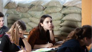Школярі на Донбасі