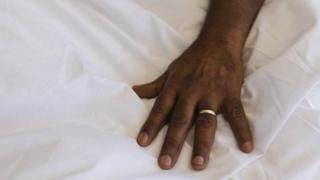 تنزانيا تنشر أسماء الرجال المتزوجين للحد من الخيانة
