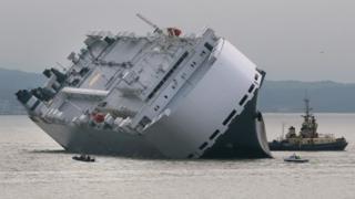 Hoegh Osaka stranded