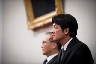 赖清德于5日接任台湾行政院长,神情相当凝重。