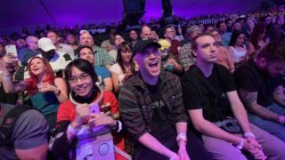 Зрители на выставке E3