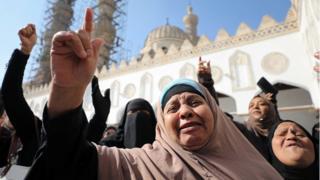 Des milliers de personnes ont manifesté devant la mosquée Al-Azhar