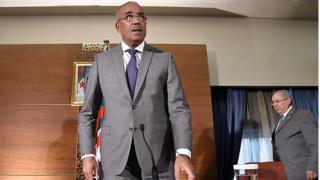 Le nouveau Premier ministre algérien a promis de former un gouvernement comprenant des jeunes choisis parmi les leaders des récentes manifestations.