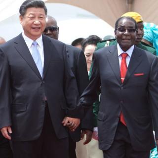 Tập và Mugabe